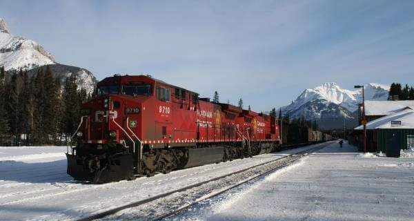 Canadian freight rail volume jumps in August