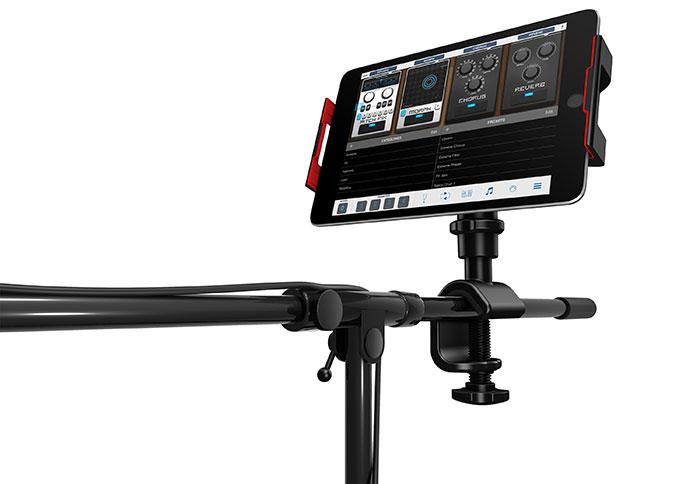 iKlip 3 mounted on mic stand